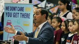 Mayor Julian Castro helps kick off College Week with Destination College, a weeklong celebration of college-going culture, at Briscoe Academy April 8, 2014.