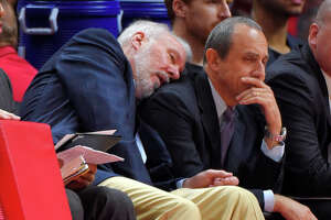 Popovich skips preseason trip - Photo
