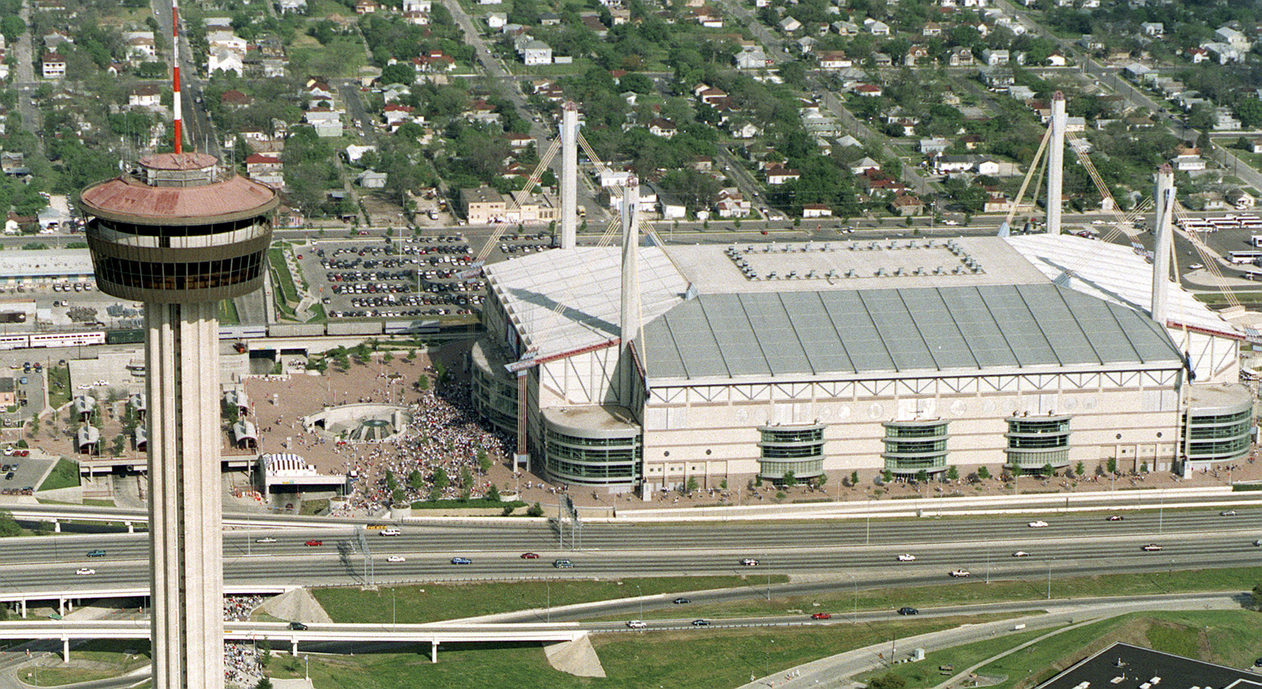 after rough start alamodome thriving as sports venue. Black Bedroom Furniture Sets. Home Design Ideas