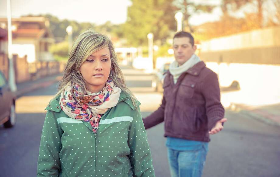 A girlfriend refuses to visit her boyfriend's family. Photo: Doble.d, Getty Images/Moment Open