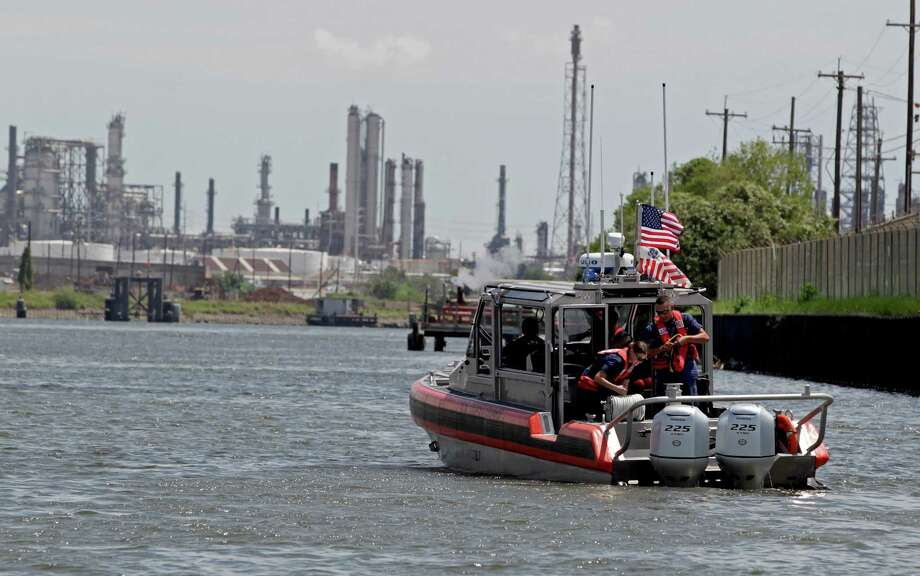 The U.S. Coast Guard monitors vessel traffic on the Houston Ship Channel for safety, but doesn't play a role in coordinating transits.  (James Nielsen / Houston Chronicle ) Photo: James Nielsen, Staff / © 2015  Houston Chronicle