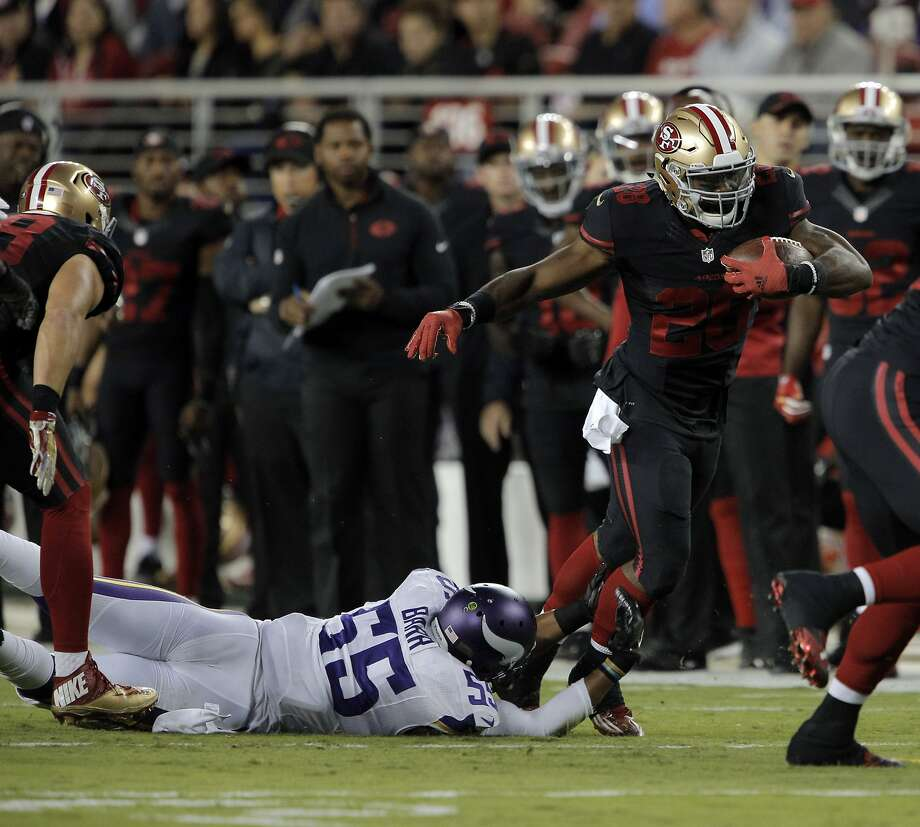Carlos Hyde (28) runs in the first quarter during the 49ers game against the Minnesota Vikings at Levi's Stadium in Santa Clara, Calif., on Monday, September 14, 2015. Photo: Carlos Avila Gonzalez, The Chronicle