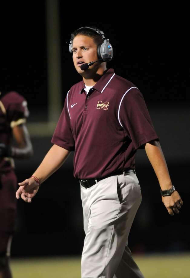 Magnolia West Head Coach Shawn Bell works the sideline against Willis. Freelance photo by Jerry Baker Photo: Jerry Baker, Freelance
