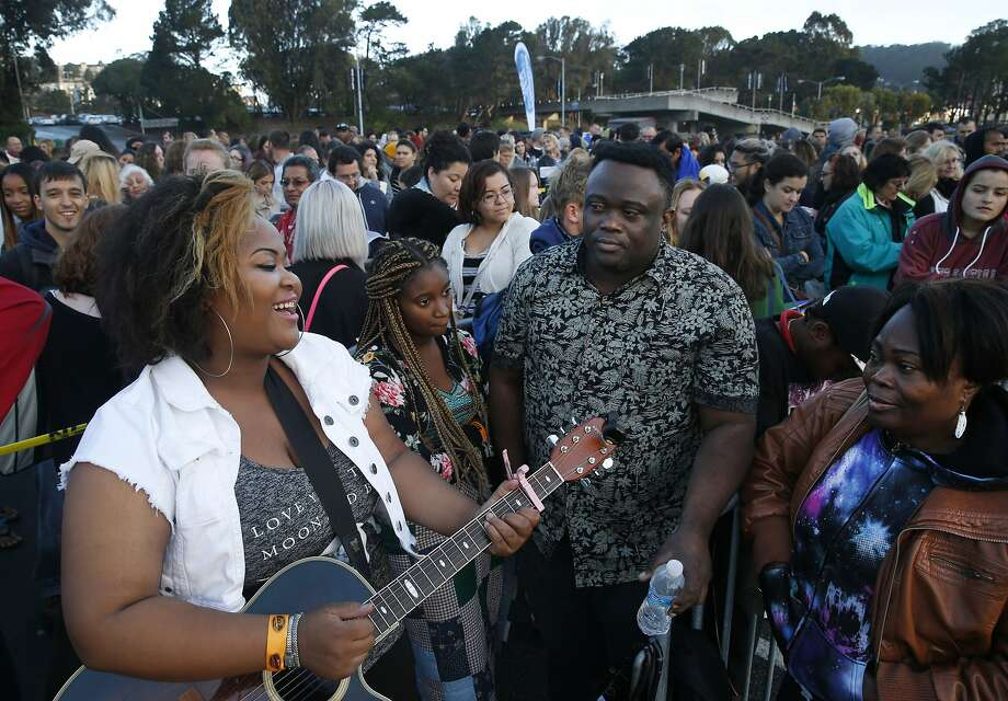 Yolandita Andre serenades family members (right) before she auditions for American Idol at the Cow Palace in Daly City, Calif. on Tuesday, Sept. 15, 2015. The Andres travelled from Portland, Ore. so Yolandita can have a shot at stardom. Photo: Paul Chinn, The Chronicle