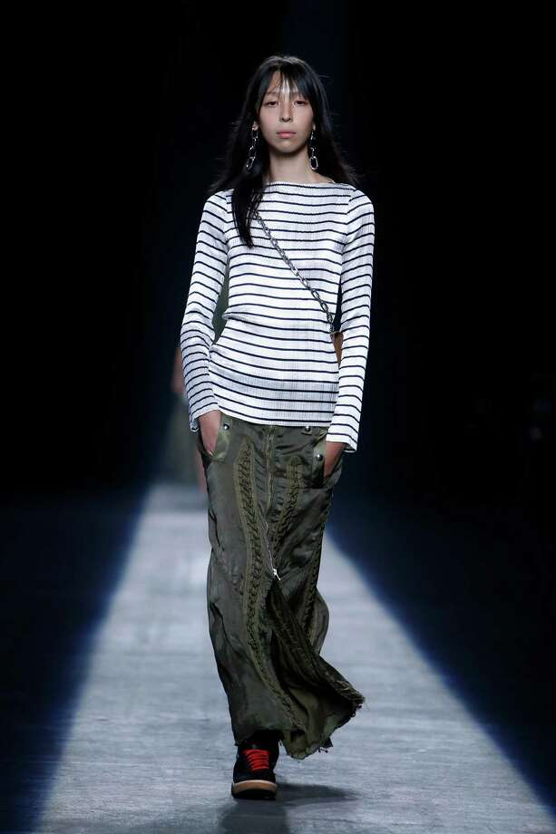 An Alexander Wang Spring 2016 look that references a very leisurely and carefree look. Photo: Jason DeCrow /Associated Press / FR103966 AP