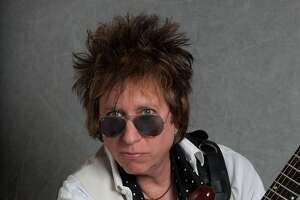 Hall of Famer Ricky Byrd plays benefit at Torrington's Warner Theatre on Saturday, Sept. 19 - Photo