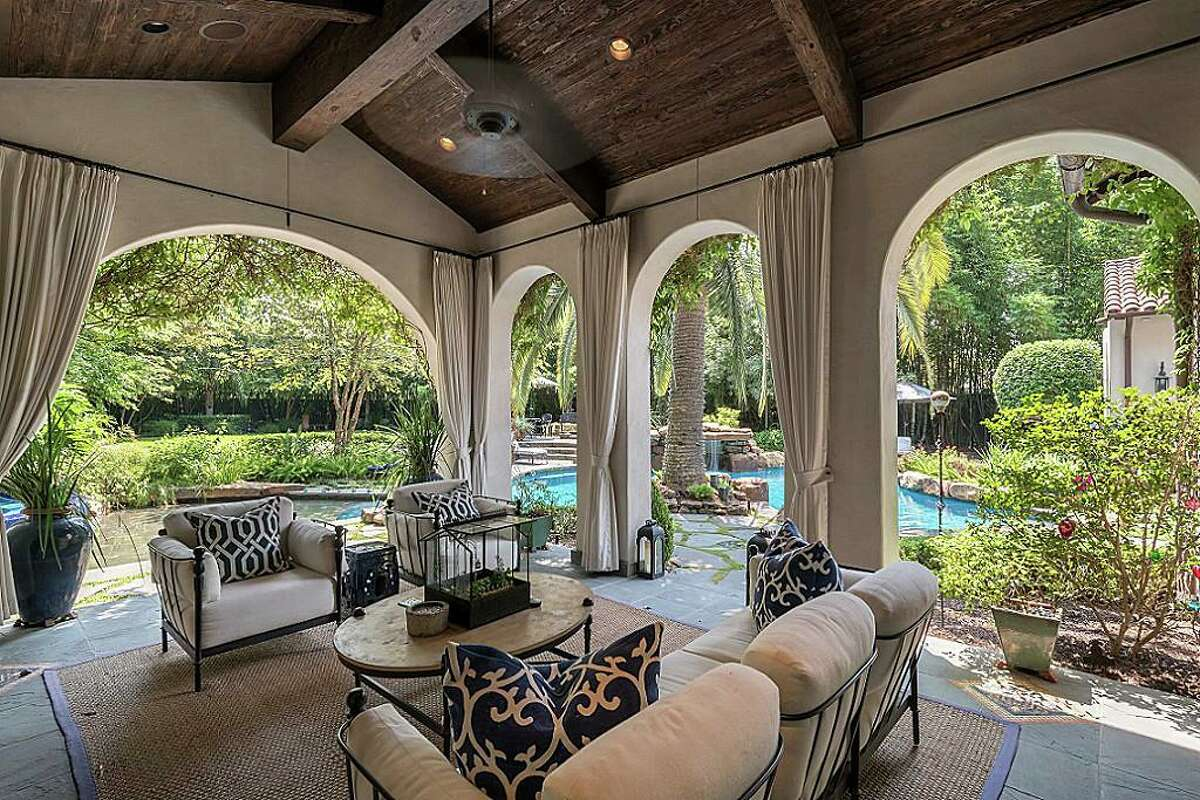 8802 Memorial DriveListing price:$$5,081,001 to $5,864,000Square feet:9,768 Bedrooms:5 Baths:5 full and 2 half
