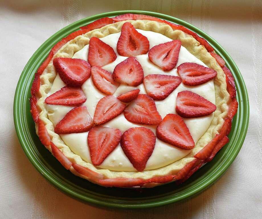 White chocolate-strawberry pie. (Bob Donaldson/Pittsburgh Post-Gazette/TNS) ORG XMIT: 1172842 Photo: Bob Donaldson / Pittsburgh Post-Gazette