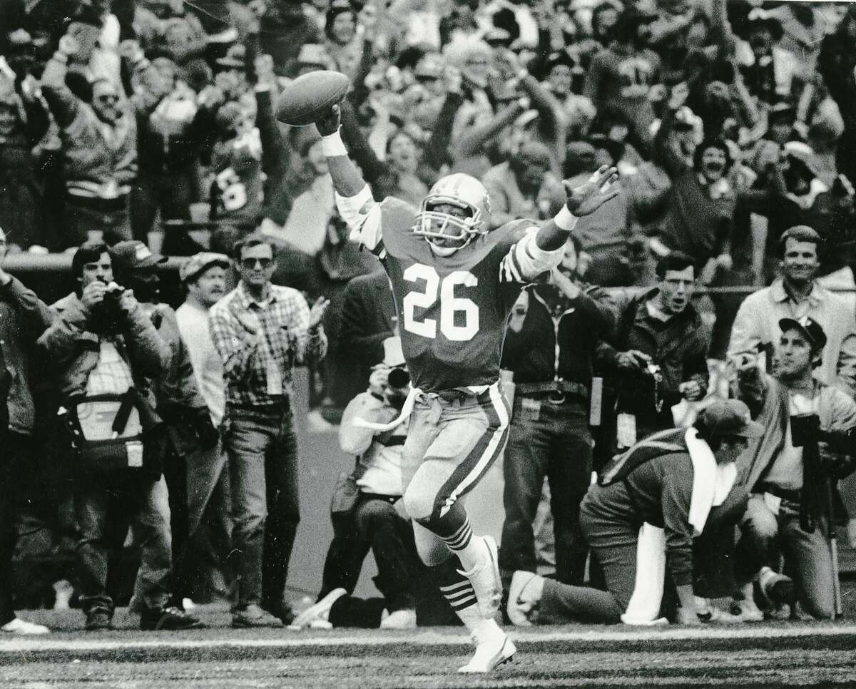 49ers running back Wendell Tyler celebrates after a score. Jan. 21, 1985. Morgue15
