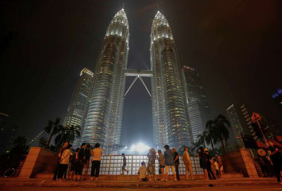 Pelli Clarke Pelli, which calls the modernistic pagoda-style Petronas Towers in Kuala Lumpur, Malaysia, its signature project, has been selected as the architects of Weston Urban's downtown office tower project. Photo: Joshua Paul /Associated Press / AP