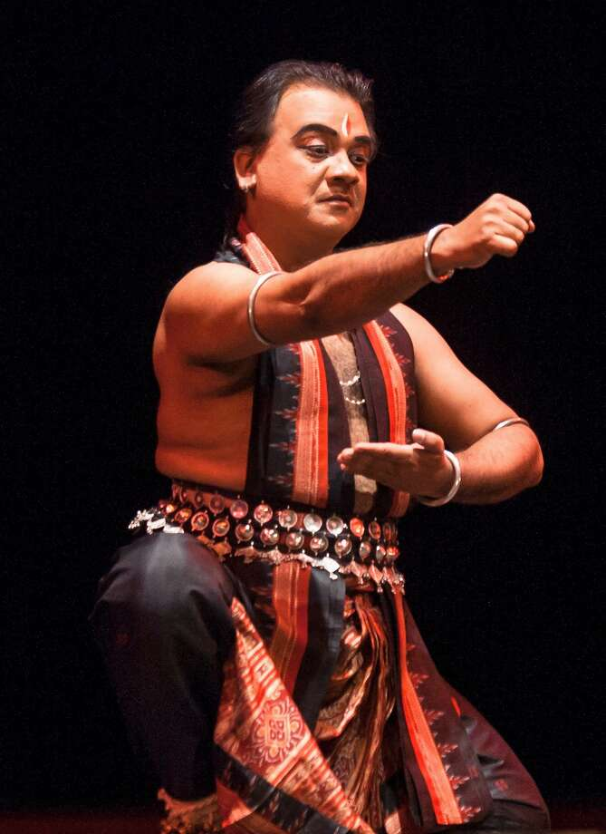 "Guru Ratikant Mohapatra as Ravana in ""Dashanana,"" which Guru Shradha performs during its annual tribute to the late Guru Kelucharan Mohapatra this weekend at the Cubberley Theater.  Photo by Swagato Basumallick Photo: Swagato Basumallick"