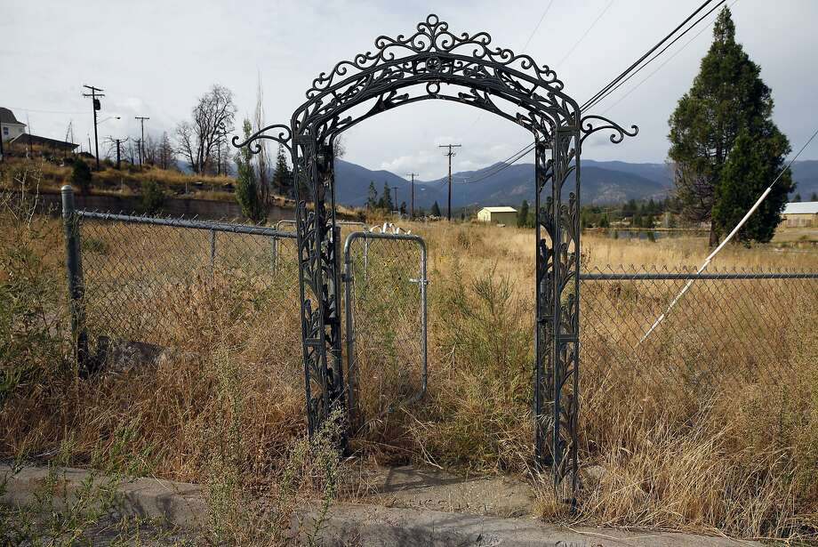 Above: Weed, in Sikiyou County, is still trying to rebuild after the Boles Fire ignited on Sept. 15, 2014, and tore through town. Photo: Scott Strazzante, The Chronicle
