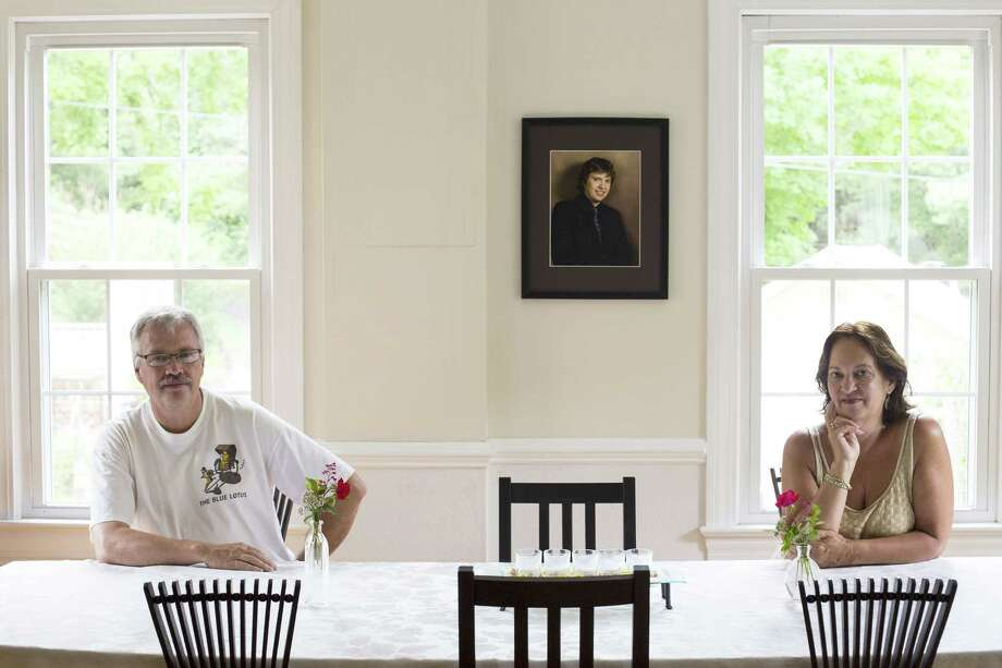 Jan-Willem and Nancy Boer in the dining room of Shenandoah Art Destination. The two hold art retreats at their B&B outside Lexington, Virginia. (Washington Post photo by Brittany Greeson.) ORG XMIT: MER2015091511132805 Photo: BRITTANY GREEESON / THE WASHINGTON POST