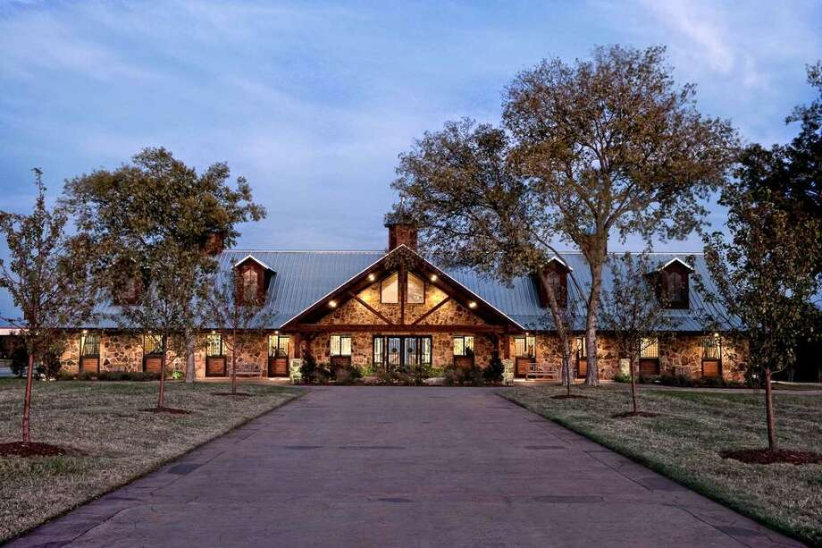 Price of texas horse ranch drastically reduced houston for Luxury ranch texas