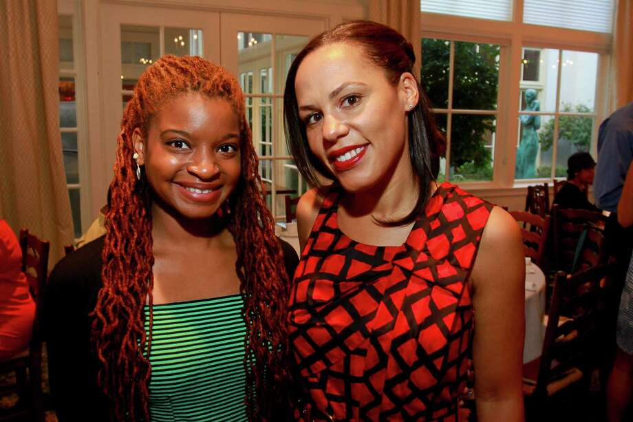 Valerie Wade, left, and Danielle Wilson  Photo: Gary Fountain, For The Chronicle / Copyright 2015 by Gary Fountain