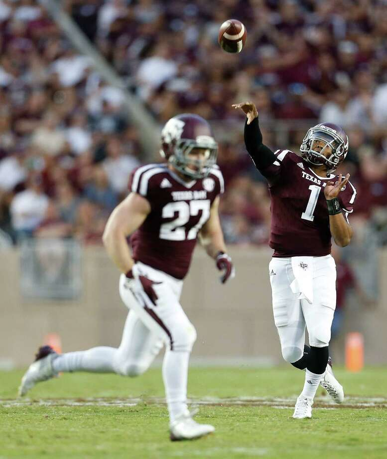 Texas A&M Aggies quarterback Kyler Murray (1) passes the ball during the second quarter of an NCAA college football game at Kyle Field on Saturday, Sept. 12, 2015.  ( Karen Warren / Houston Chronicle ) Photo: Karen Warren, Staff / © 2015 Houston Chronicle