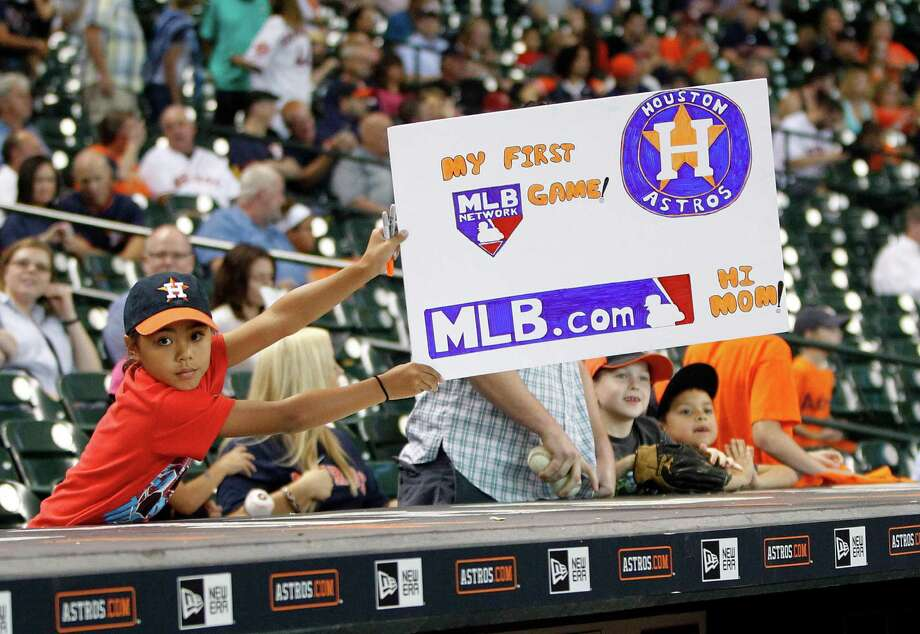 An Houston Astros fan during the first inning of an MLB game at Minute Maid Park on Friday, Sept. 4, 2015.  ( Karen Warren / Houston Chronicle ) Photo: Karen Warren, Staff / © 2015 Houston Chronicle