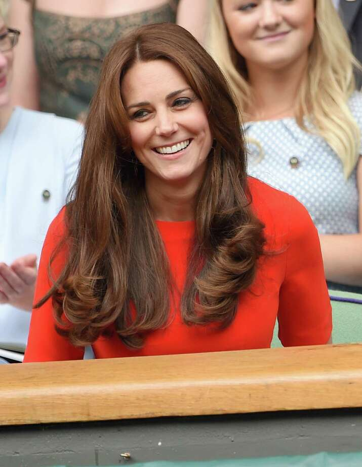 Kate Middleton resumed her royal duties recently, along with a new look. The Duchess of Cambridge was seen sporting bangs during her visit to the Anna Freud Centre on September 17, 2015 in London to see how the charity is working to lead a step change in children's and young people's mental health care. She isn't the only celeb who has changed up her look. Keep going to find out who else has made a hair statement this year. Photo: Karwai Tang, Getty Images / 2015 Karwai Tang