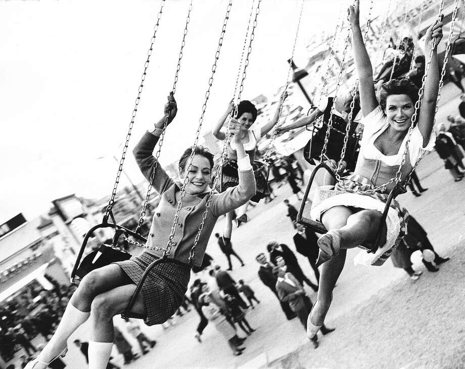 Women on a 'chairoplane' at Oktoberfest in 1969 Photo: Ullstein Bild, Ullstein Bild Via Getty Images / ullstein bild