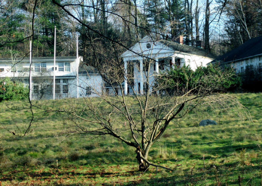 Headaches continue for Erika Klauer in her attempts to have a luxury inn built on property at 101 Wykeham Road in Washington. Photo: File Photo / The News-Times