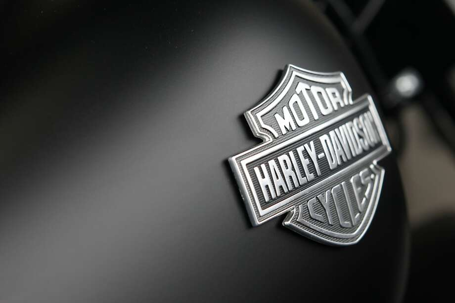 The Harley-Davidson motorcycles logo is displayed on a motorcycle for sale at Bartels' dealership in Marina del Rey, California, U.S., on Wednesday, July 24, 2013. Photo: Patrick T. Fallon, Bloomberg