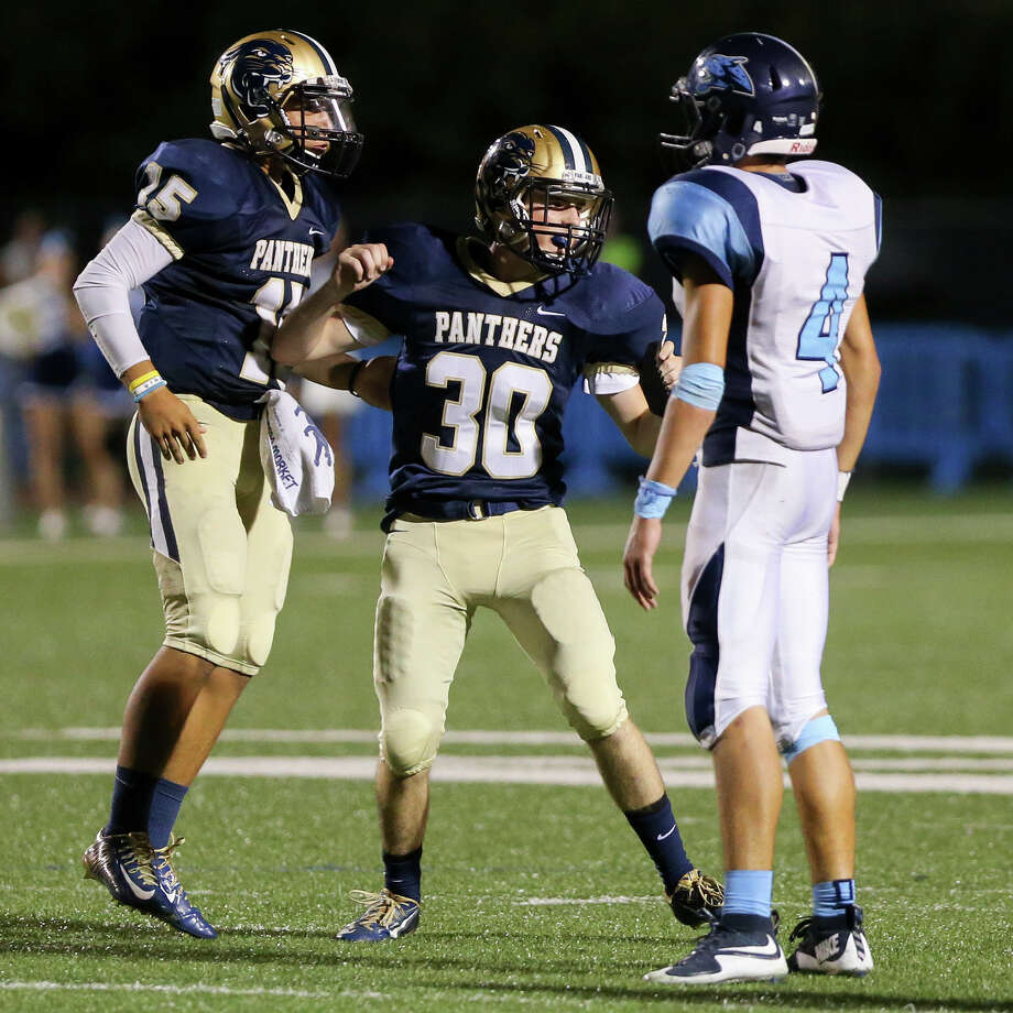 O'Connor's Michael Lyssy (center) reacts after hitting a 47-yard field goal with three seconds remaining in the game to give O'Connor a 37-36 victory over Johnson in their game at Farris Stadium on Friday, Sept. 18, 2015. Photo: Marvin Pfeiffer /San Antonio Express-News / Express-News 2015