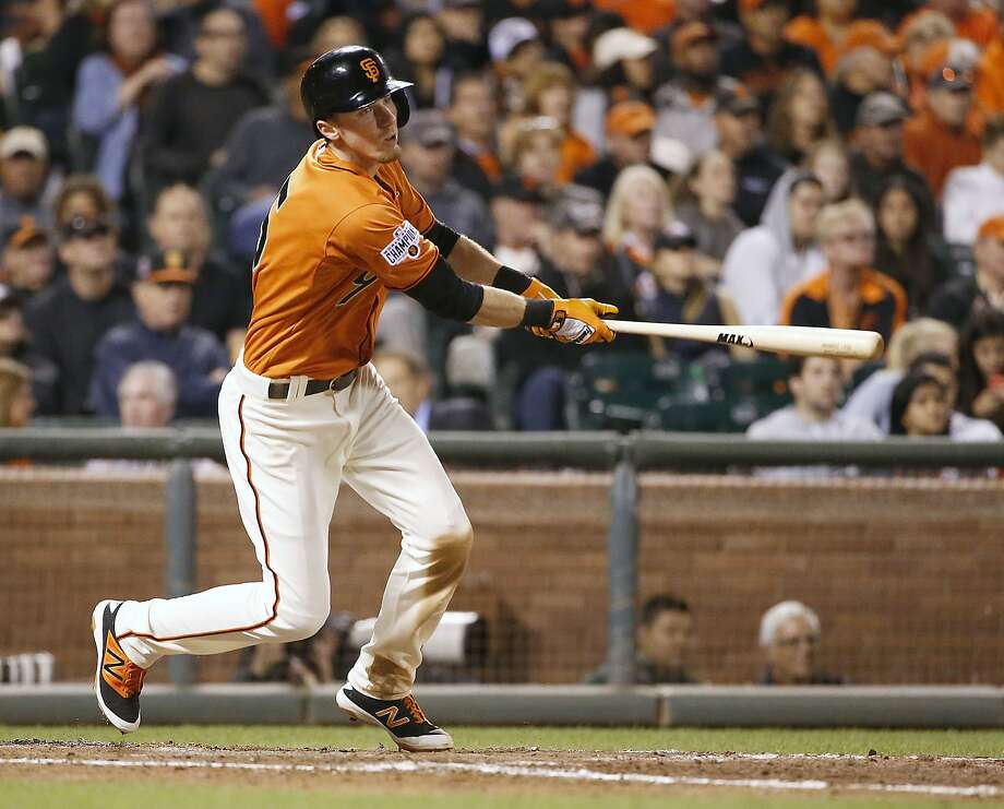 """Of his skill at hitting to the oppo site field, Giants third baseman Matt Duffy said, """"My first year in college, I tried to pull the ball and was sus cep tible to off-speed pitches, so I went to the other extreme, went to only going the other way. ... Once I got to pro ball, I kind of learned how and when to blend the two."""" Photo: Tony Avelar, Associated Press"""