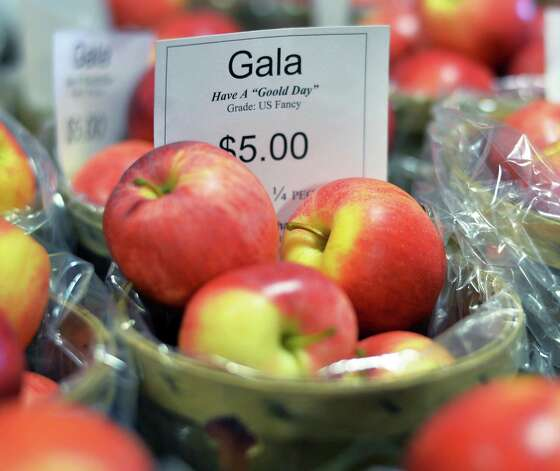 Gala apple for sale in the farm store at Goold Orchard Thursday Sept. 17, 2015 in Castleton, NY.  (John Carl D'Annibale / Times Union) Photo: John Carl D'Annibale / 00033396A