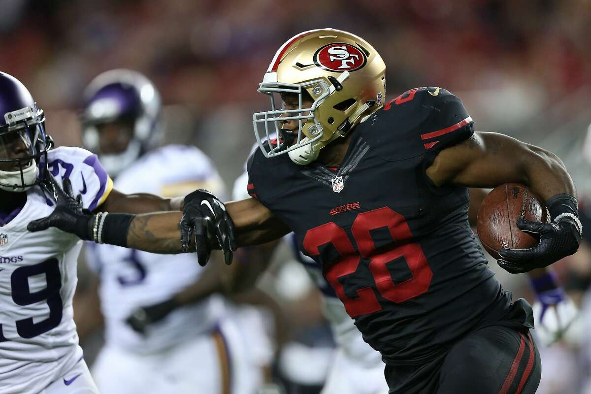 SANTA CLARA, CA - SEPTEMBER 14: Carlos Hyde #28 of the San Francisco 49ers rushes with the ball against the Minnesota Vikings during their NFL game at Levi's Stadium on September 14, 2015 in Santa Clara, California. (Photo by Ezra Shaw/Getty Images)