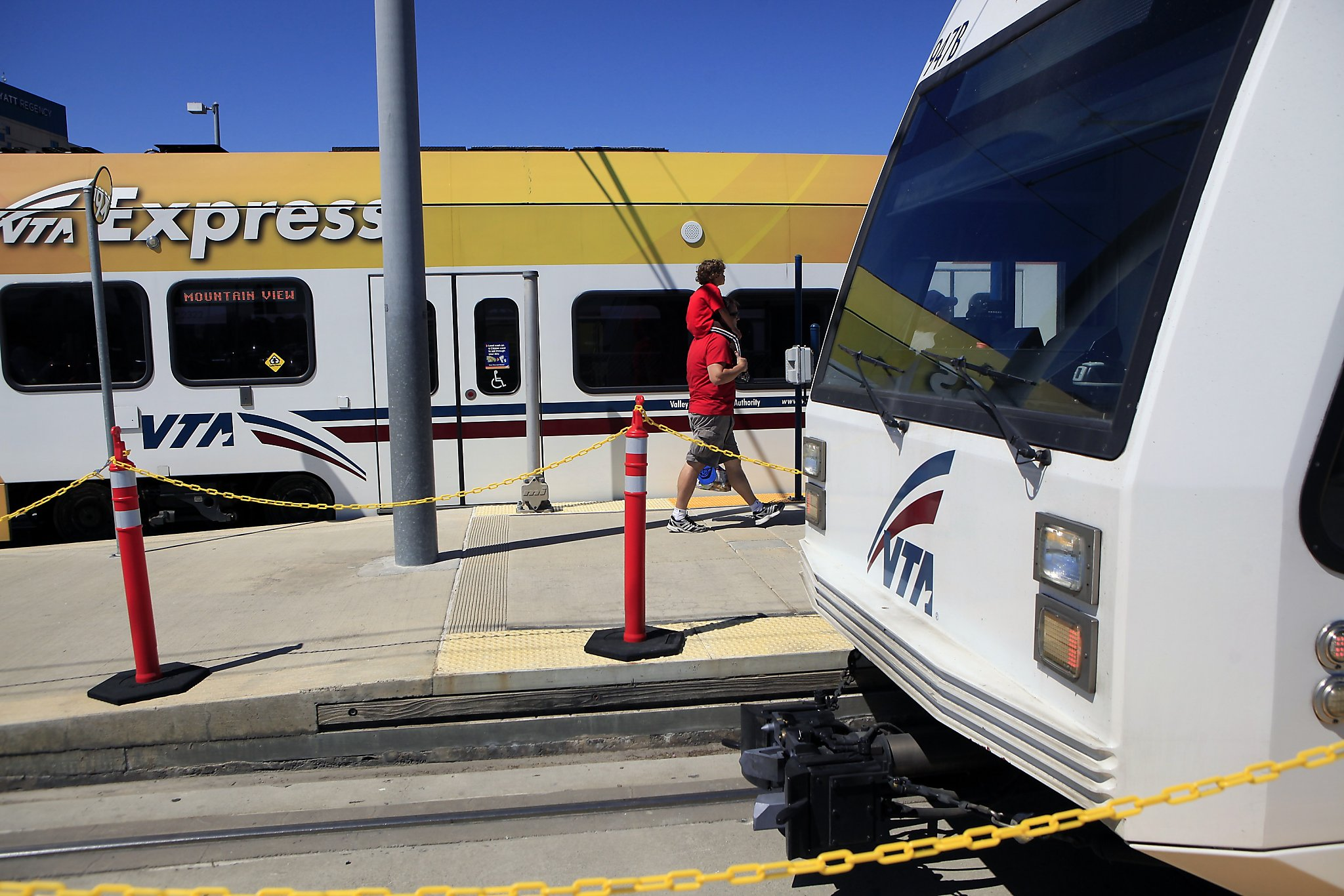 VTA expected to sell 2,500 49ers train tickets to Levi's, have only sold 11 - SFGate