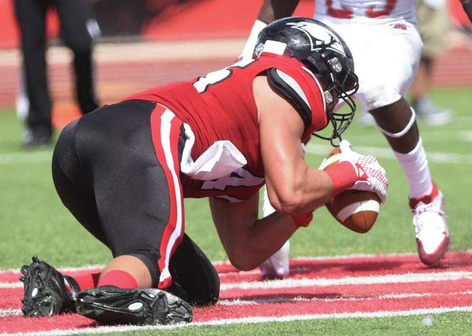 Incarnate Word tight end Cole Wick catches a first-half touchdown pass against Nicholls State during college football action at Benson Stadium on Saturday, Sept. 19, 2015. Photo: Billy Calzada, Staff / San Antonio Express-News / San Antonio Express-News