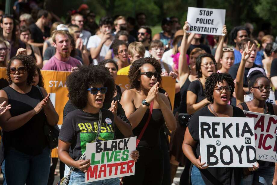 As Black Lives Matter supporters gathered Saturday at the Capitol, a Police Lives Matter march simultaneously rallied to support law enforcement officers, but both groups remained peaceful. Photo: Carolyn Van Houten, MBO / San Antonio Express-News