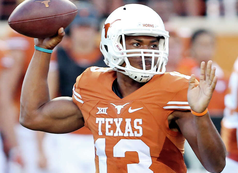Texas Longhorns' quarterback Jerrod Heard passes against the California Golden Bears during first half action Saturday Sept. 19, 2015 at Royal-Memorial Stadium in Austin. Photo: Edward A. Ornelas /San Antonio Express-News / © 2015 San Antonio Express-News