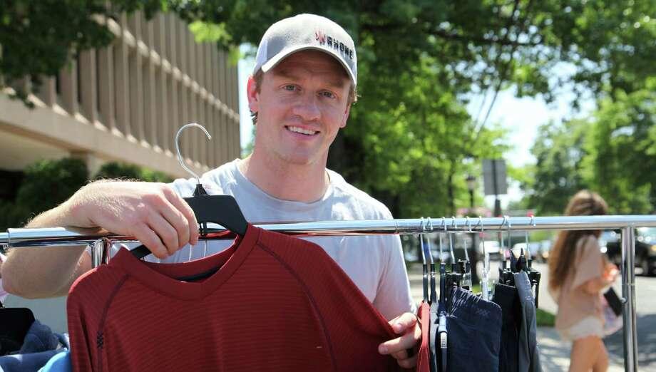 Rhone co-founder Nate Checketts at a 2015 sidewalk sale in Darien, Conn. Photo: Danielle Brody / Fairfield County Business Journal