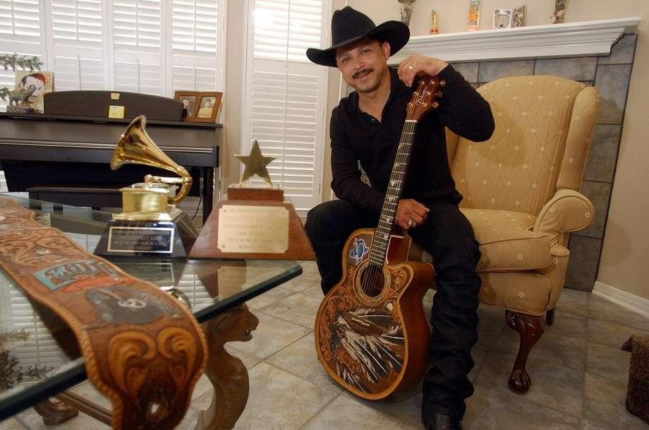 Emilio Navaira. Photo: KIN MAN HUI, San Antonio Express-News
