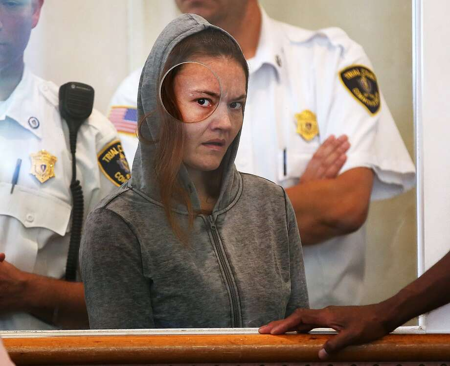 Rachelle Bond is arraigned on charges of being an accessory in the killing of her 2-year-old daughter. Her boyfriend, Michael McCarthy, is charged with murder and held without bail. Photo: Pat Greenhouse, Associated Press
