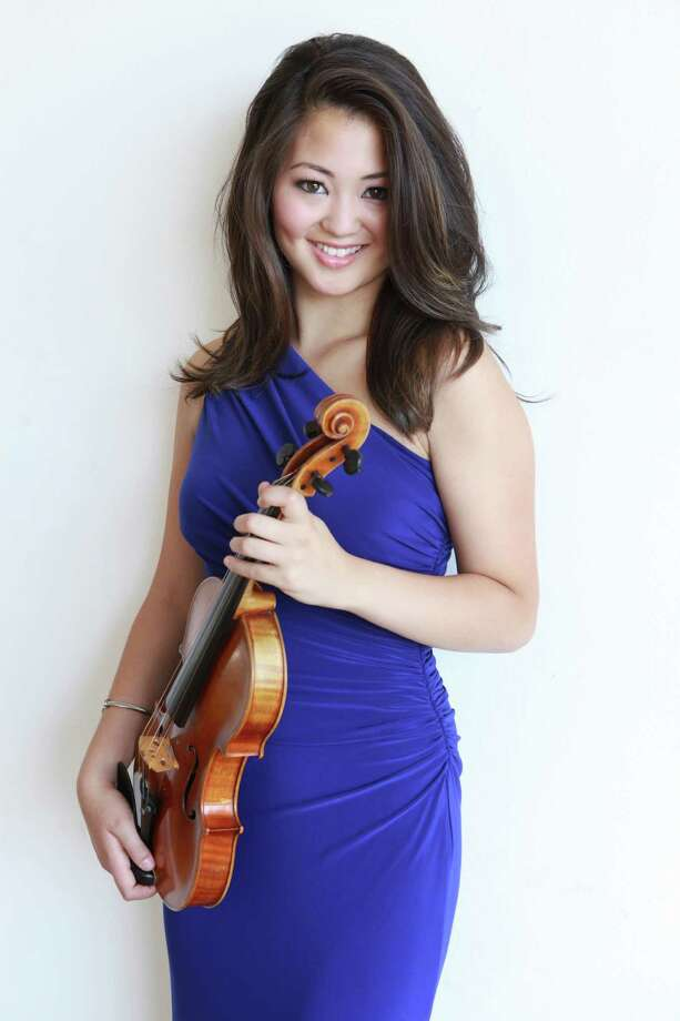 Violinist Simone Porter, 18, will appear with the Houston Symphony Sept. 25-27, 2015. Photo: Jeff Fasano Photography