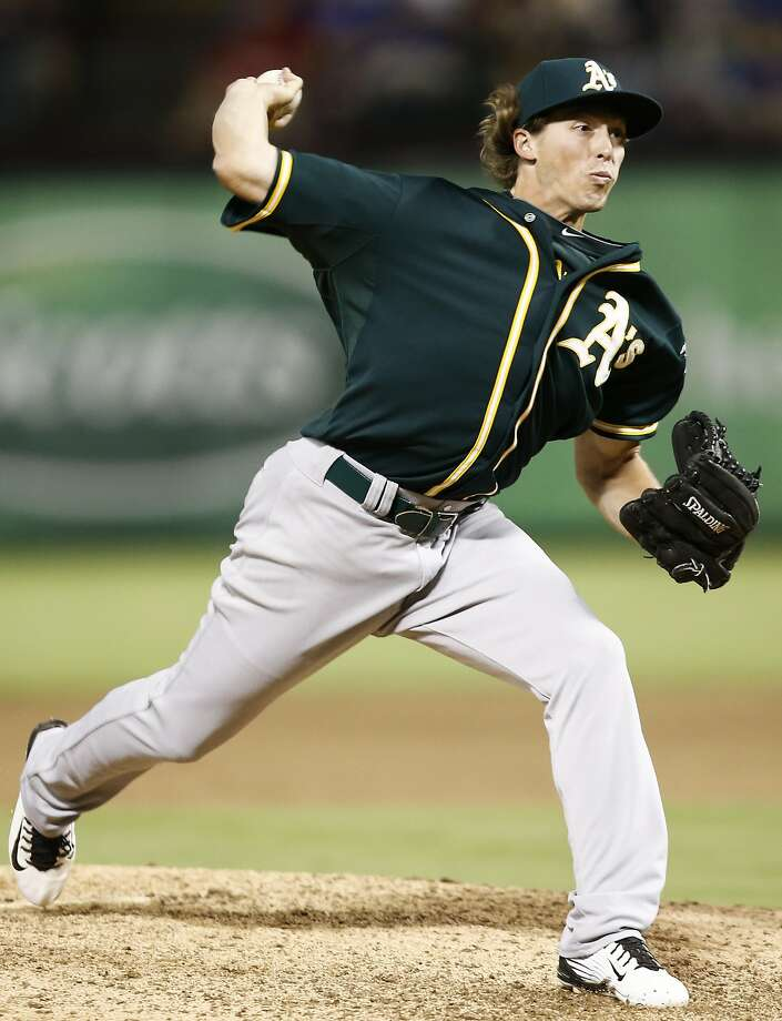 Ryan Dull, a 32nd-round draft pick in 2012, could be a key cog in the A's bullpen next season. Photo: Jim Cowsert, Associated Press
