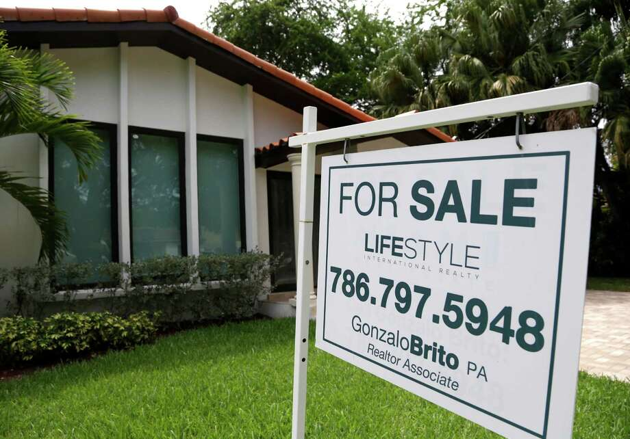 The National Association of Realtors said sales of existing homes fell 4.8 percent in August from the previous month to a seasonally adjusted annual rate of 5.31 million, the lowest level since April. That's down from 5.58 million in July, which was the highest in more than eight years. Photo: Lynne Sladky /Associated Press / AP