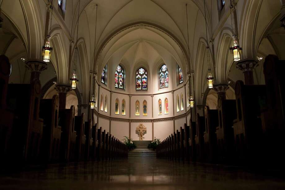 In this photo taken Aug. 31, 2015, the nave of St. Patrick's Catholic Church in Washington. While in Washington Pope Francis will visit Catholic sites across the nation's capital, including St. Patrick's Catholic Church, the oldest Catholic Church in Washington. (AP Photo/Carolyn Kaster) ORG XMIT: WX206 Photo: Carolyn Kaster / AP