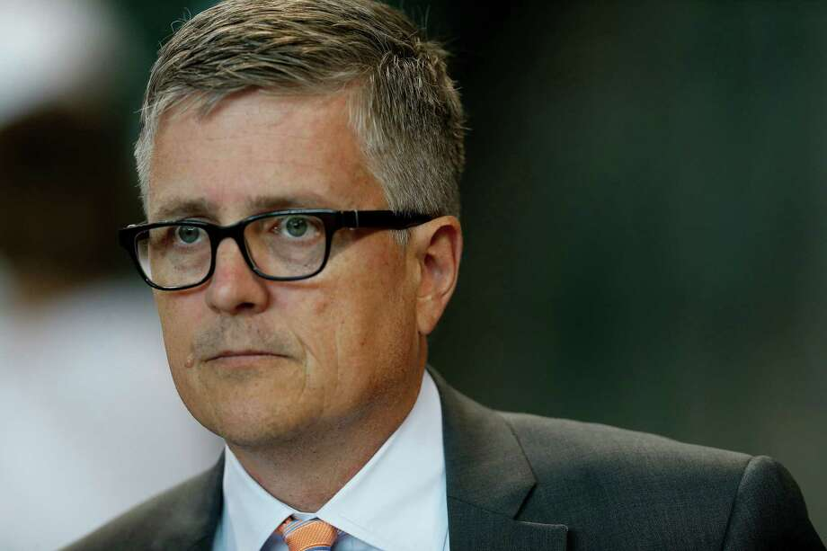 Houston Astros GM Jeff Luhnow said team is ready to make some offers after a productive time at GM meetings. Photo: Karen Warren, Houston Chronicle / © 2015 Houston Chronicle