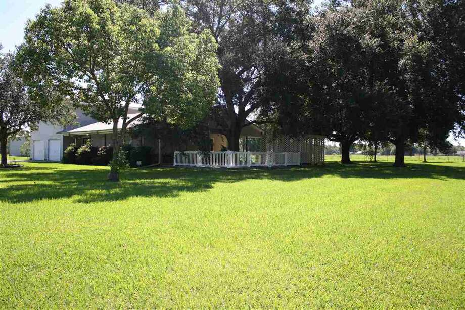 5685 Pat Dr., Bridge City, TX 77630. $299,900. 3 bedroom, 2 full, 1 half bath. 2,366 sq. ft. Photo: Courtesy Photo