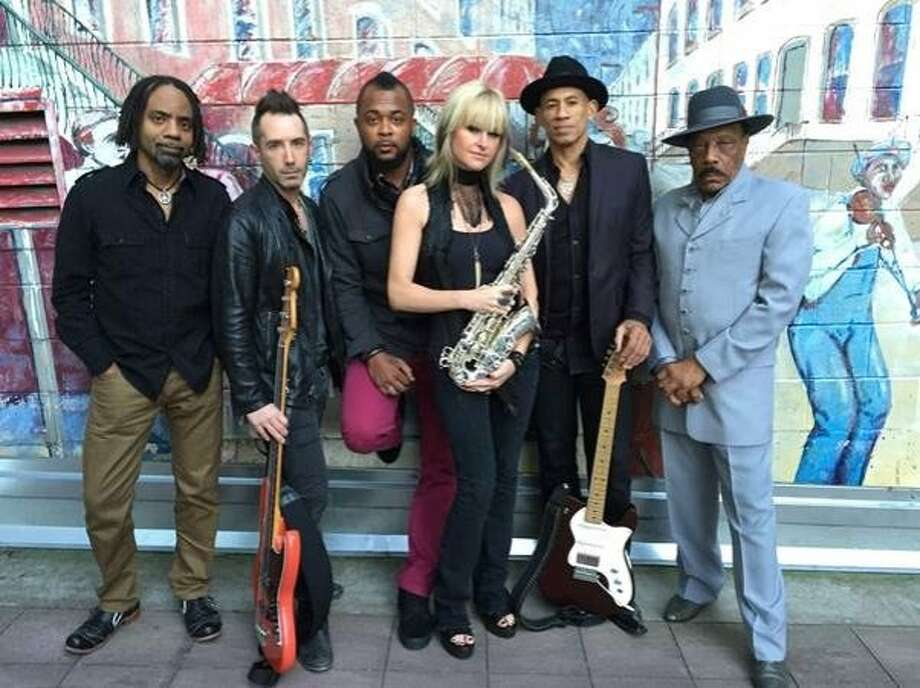 Mindi Abair and the Boneshakers play power ballads and blues rock. Photo: Eric Guerra
