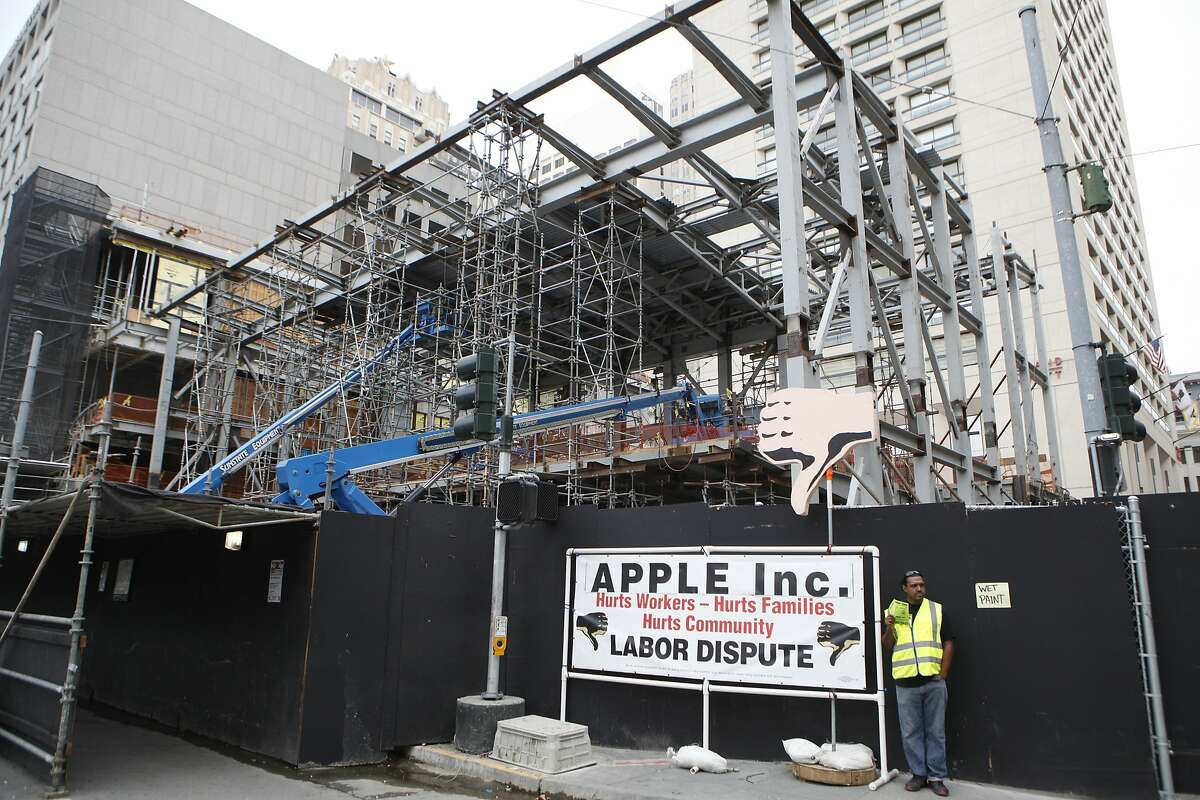 Carpenters from Local 22 protesting Apple Incorporated and Ledcor Construction, Inc. at Apple's new location on the corner of Post and Stockton. September 22, 2015