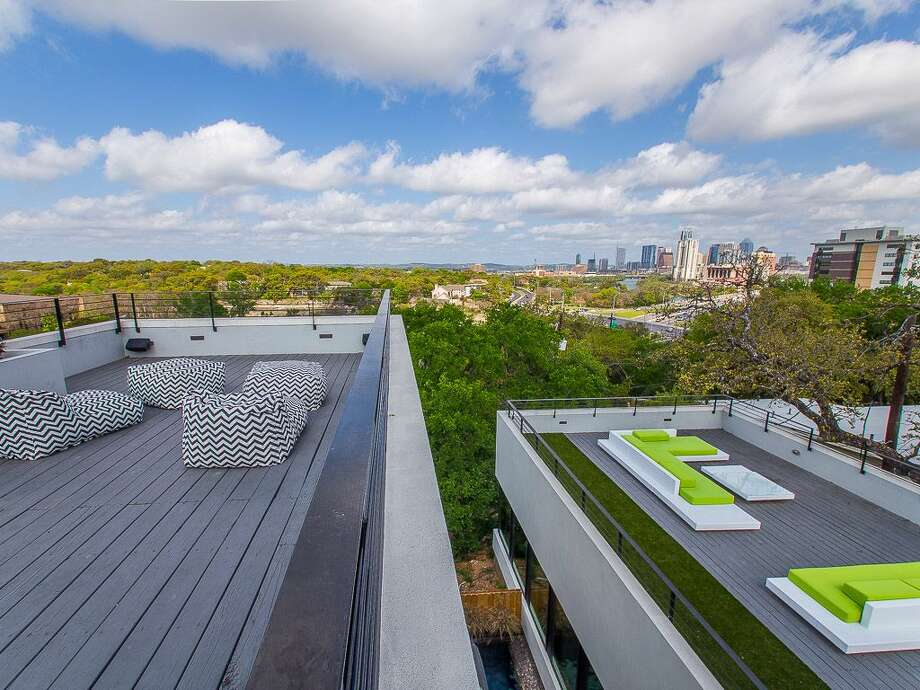 15. Modern home on East RiversideRates: from $850 / $85 per person a nightSleeps: 10Bedrooms: 4Bathrooms: 2.5 Photo: Courtesy, HomeAway
