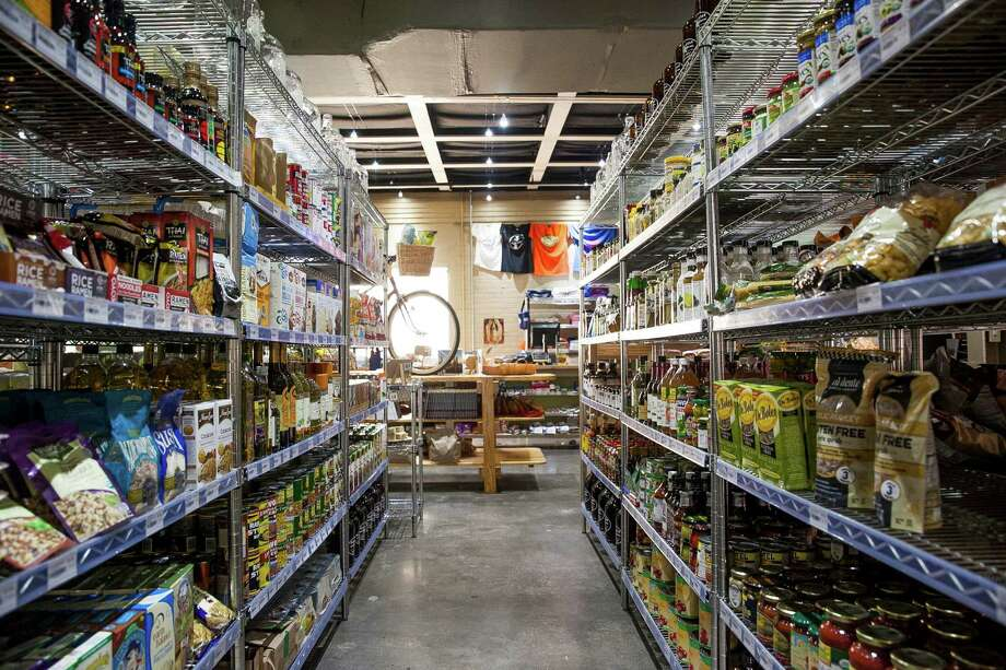 Blue Star Provisions focuses on selling fresh organic produce. Photo: Julysa Sosa /For The San Antonio Express-News / Julysa Sosa For the San Antonio Express-News