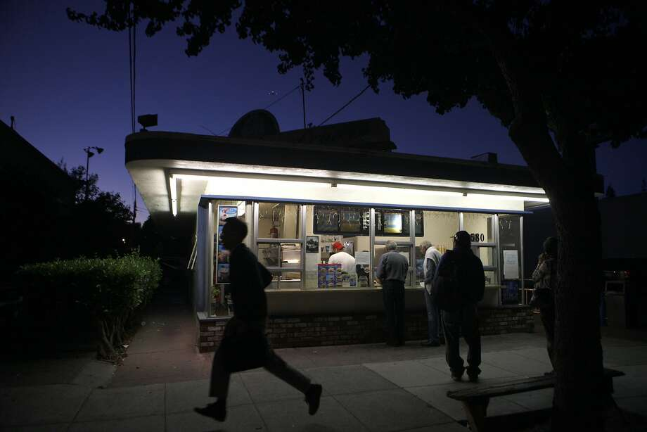 There has been a Foster's Freeze on Oak Grove Avenue in Menlo Park since 1950, but it will close on Wednesday. Photo: Franchon Smith, The Chronicle
