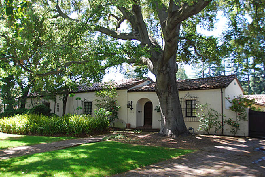 Google CFO Ruth Porot bought 1950 Cowper Street in Palo Alto, Calif., for $30 million in July 2015. Photo: Palo Alto Stanford Heritage