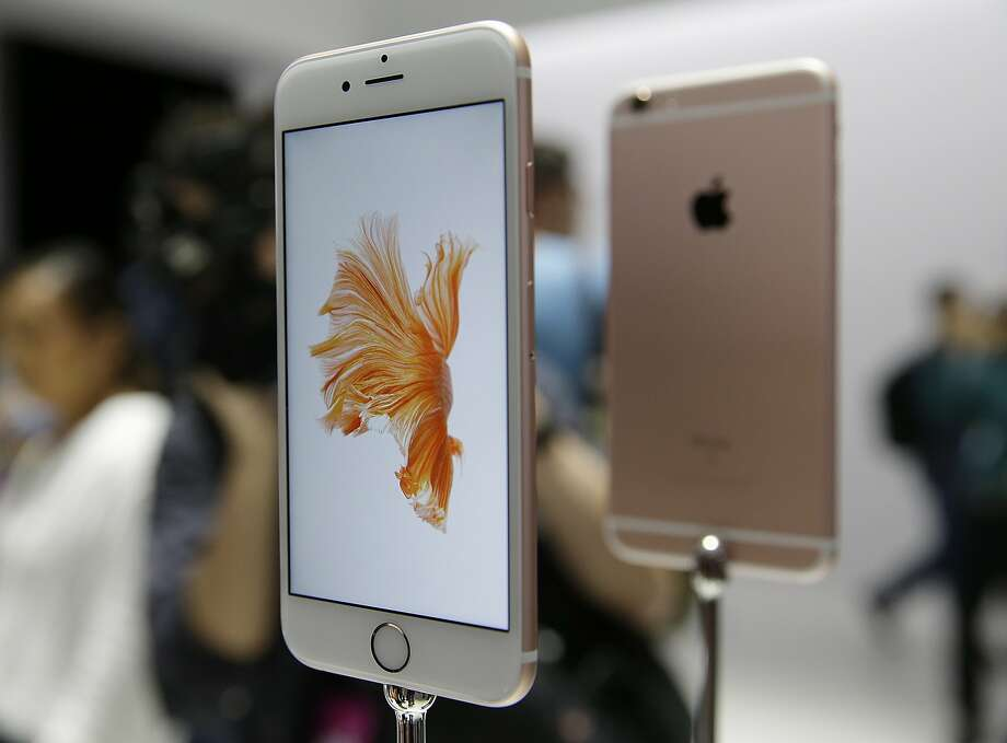 The iPhone 6S and 6S Plus have an improved camera that reproduces colors more accurately. The screen sizes remain the same. Photo: Eric Risberg, Associated Press