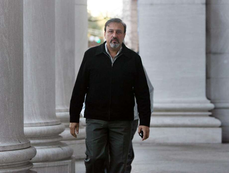James Botti enters the US District Court in New Haven on Friday, Nov. 6, 2009. Final arguments were given Wednesday in the federal corruption trial of the Shelton developer. Photo: B.K. Angeletti / Connecticut Post